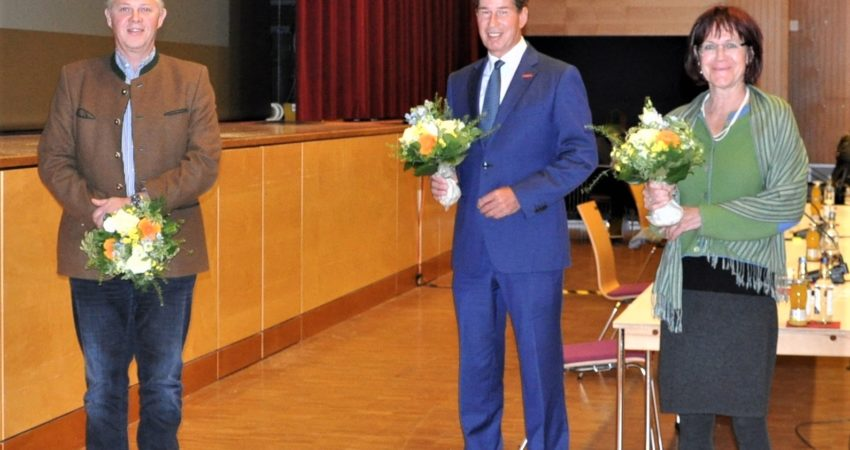 Bürgermeister Klaus King, Fritz Sehrwind und Bergith Hornbacher Burgstaller