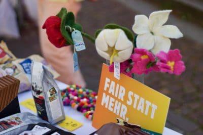 Fair statt Mehr mit Blumen